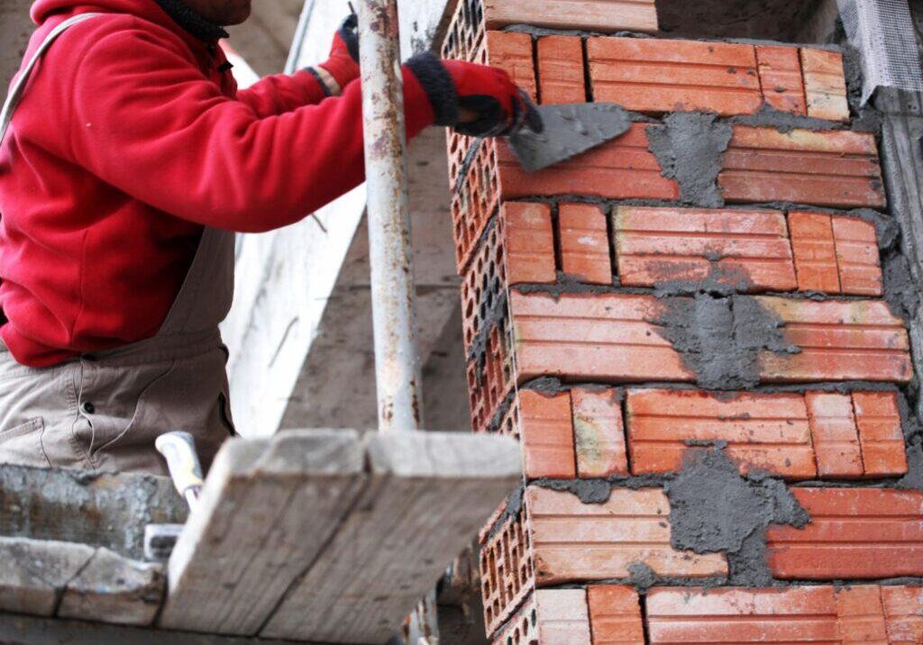 man build up a chimney